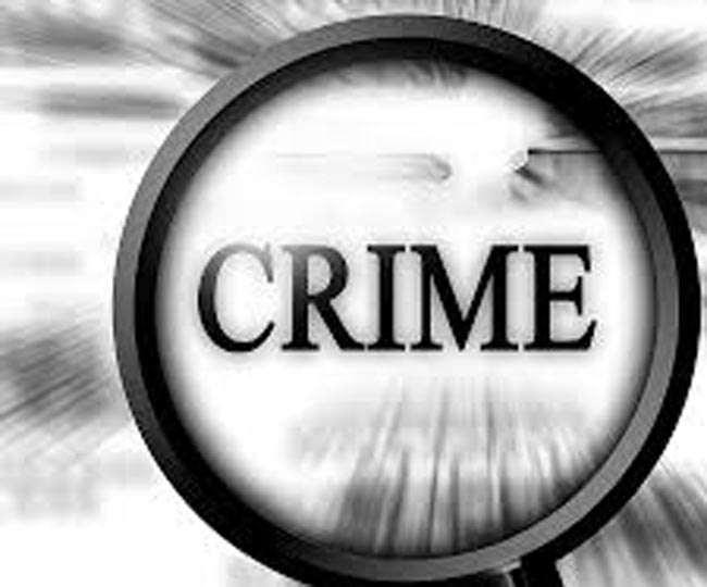 पिस्टल वाले बदमाश पर महिला ने झाड़ू से किया वार, भागा बदमाश