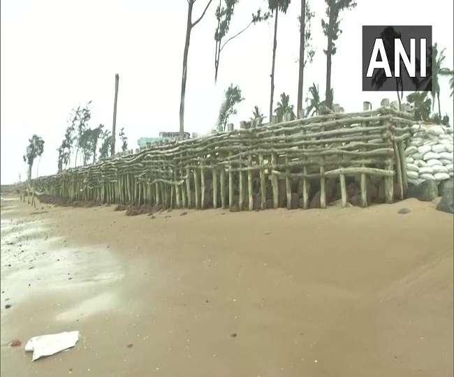 LIVE Cyclone Amphan Status: ओडिशा तट के करीब पहुंचा सुपर साइक्लोन एम्फन, बारिश शुरू
