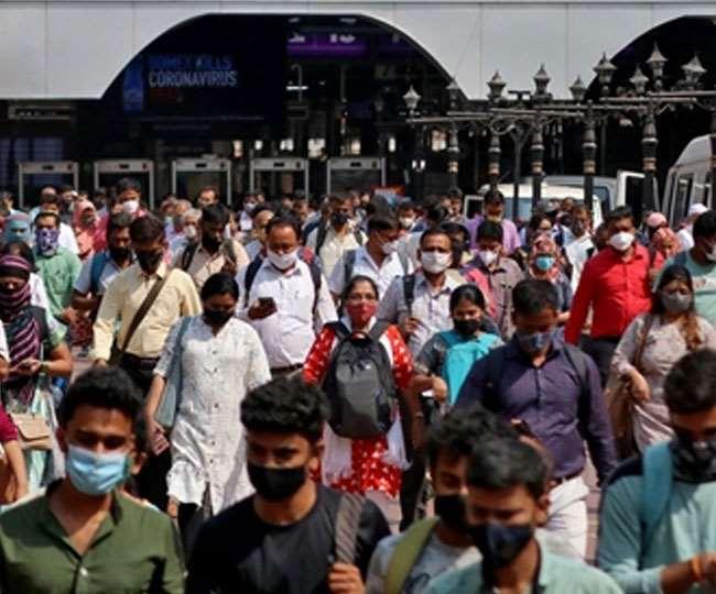 देश में धीरे-धीरे कम हो रहा कोराना का संक्रमण। (फोटो: दैनिक जागरण)