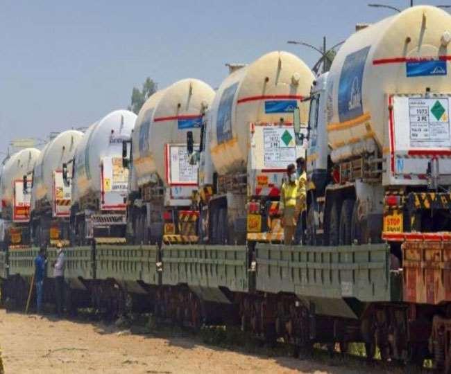 रेलवे ने 11,030 टन से अधिक आक्सीजन राज्यों में पहुंचाई है।