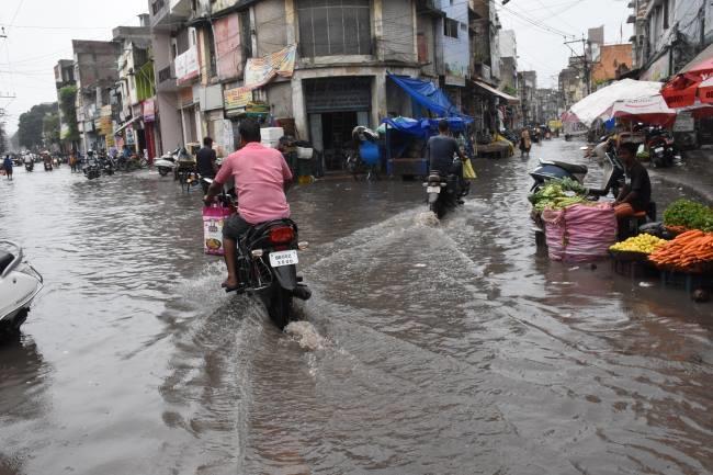 Muzaffarpur rains heavily, 26.3 mm rain - Bihar Muzaffarpur Nature Wildlife News
