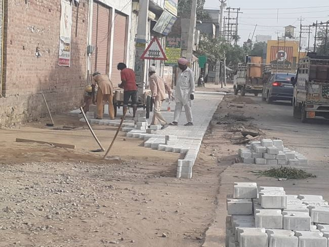 Tiles passed in the hour after the corporation commissioner cracked it -  Punjab Moga General News