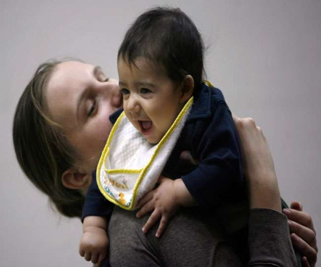 स्तनपान से मजबूत होगी शिशु की इम्युनिटी, इन बातों का रखें ख्याल; पढ़े एक्सपर्ट की राय