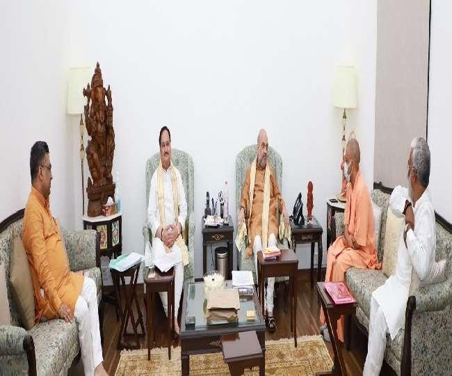 दिल्ली में गृह मंत्री अमित शाह के घर पर अहम बैठक हुई।