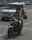 नए ट्रैफिक नियम का पुलिस कर्मियों पर कोई असर नहीं
