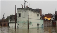 बाढ़ की चपेट में 64 गांव, ढाई हजार लोग प्रभावित
