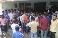 नामांकन पत्रों की खरीद के लिए उमड़ी भीड़