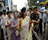दुष्कर्म के आरोपितों को सजा दिलाने की मांग को ले प्रदर्शन कर रहे लोगों पर बरसाईं लाठियां Patna News