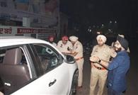दस का नोट उठाने फॉर्च्यूनर से उतरी महिला, गाड़ी से 70 हजार रुपये चोरी