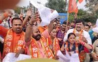 पटली मोड़ पर टोल प्लाजा खोलने का शिव सैनिकों ने किया विरोध