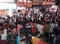 डीएसपी ने दुकानदार को जड़ा थप्पड़, विरोध में थाना घेरा