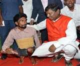 आयुष्मान भारत के लाभुकों से मिले अर्जुन मुंडा, प्रत्येक लाभार्थी को बताया ब्रांड एंबेसडर Ranchi News