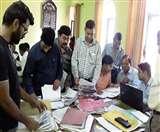 पास के लिए जिला पंचायत सदस्य के एजेंटों को भागना पड़ा दून Dehradun News