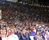 Almora festival अल्मोड़ा महोत्सव में सतरंगी मंच पर हुआ भारतीय शास्त्रीय राग और पश्चिमी रैप का संगम