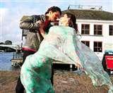 IN PICS Khesari Lal Yadav Viral Romantic Photos: लंदन में रोमांस कर रहे खेसारी लाल यादव की तस्वीर वायरल, फैंस ने पूछा 'किसके साथ हैं'
