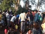 अचानक पाइप से पेट्रोलियम पदार्थ रिसने की मिली सूचना और डिब्बा-बर्तन ले पहुंच गए ग्रामीण Patna News