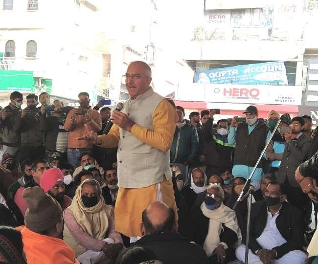 पानीपत में एसवाईएल मुद्दे पर भाजपा कार्यकर्ताओं को संबोधित करते सांसद संजय भाटिया।