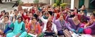 आंगनबाड़ी कार्यकर्ताओं का धरना 20वें दिन जारी
