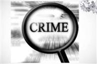 थाने से फरार आरोपित के पिता जेल में बंद, मां घर पर नहीं