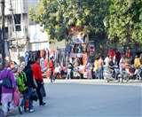 पुरानी जगह पर ही लगी Sunday Market, नगर निगम का 26 जनवरी से शिफ्ट करने का दावा