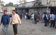 गोरखपुर रूट पर रोडवेज की सेवाएं फेल, परेशानी
