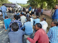 किसानों ने एनएच 53 में किया बेमियादी चक्का जाम