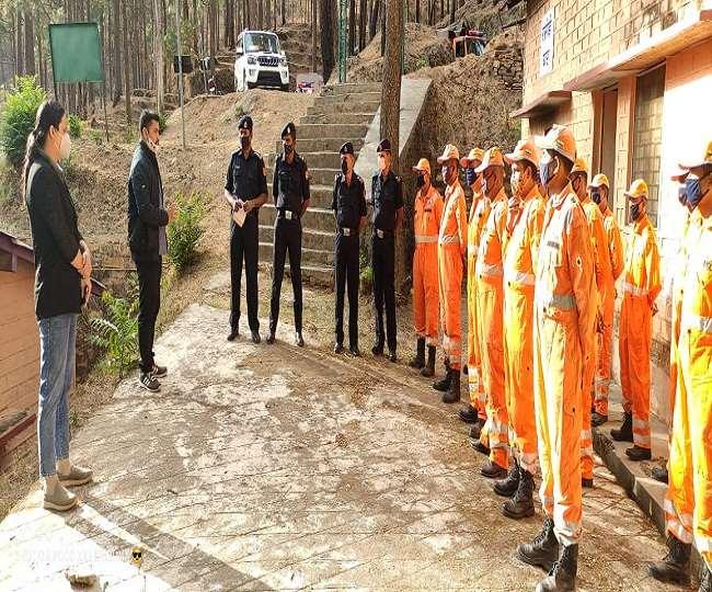 पीसीसीएफ राजीव भरतरी के आग्रह पर केंद्र सरकार ने एनडीआरएफ के जवानों की टुकड़ी उपलब्ध करा दी है।