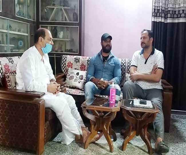 Khesari Lal Yadav met Father of Sushant Singh Rajput said Bihari ...