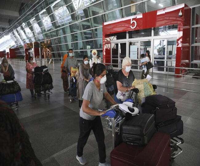 बंगाल में फ्लाइट से आने वाले यात्रियों को टीकाकरण या नेगेटिव आरटी-पीसीआर रिपोर्ट प्रस्तुत करना होगा
