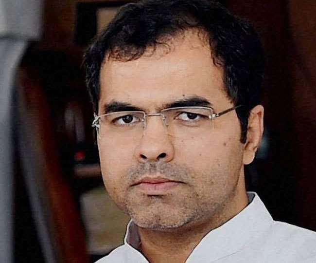 सांसद प्रवेश वर्मा ने कहा कि जब भी संसद का सत्र शुरू होता है विपक्ष झूठ लेकर आता है।