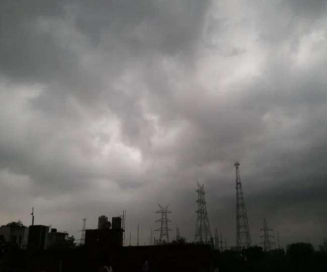 मौसम विभाग ने कई राज्यों में भारी बारिश की चेतावनी जारी किया है (फाइल फोटो)