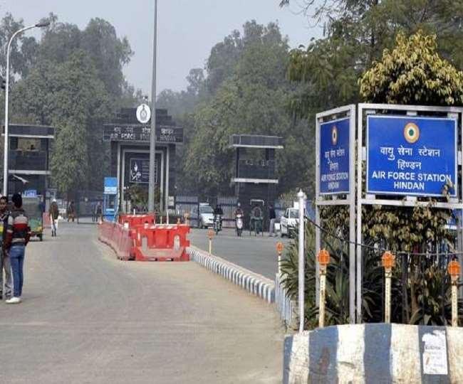 Ghaziabad News: हिंडन एयरबेस की दीवार के पास से संदिग्ध युवक गिरफ्तार
