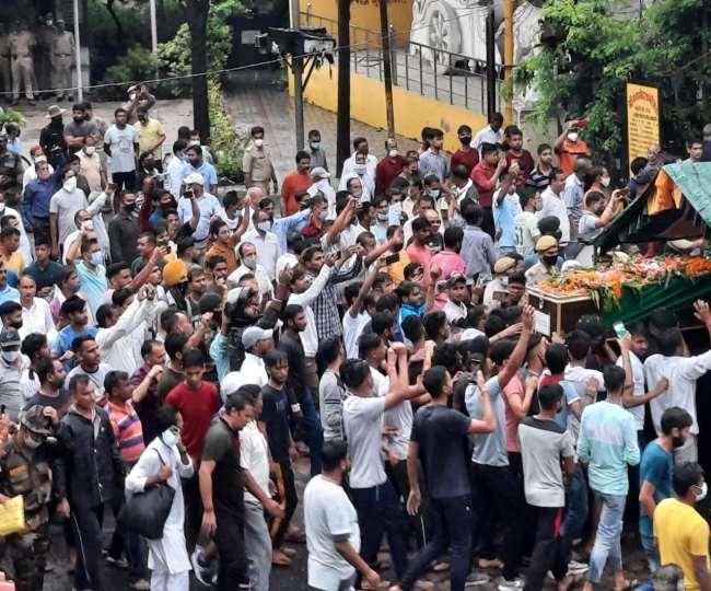 राजौरी में आतंकियों से लोहा लेते शहीद रामसिंह का पार्थिव शरीर मेरठ पहुंचा गया है।
