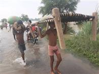 बाढ़ की विनाशलीला देख सहमे लोग, तेजी से फैल रहा पानी