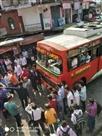 पंचरुखी बाजार में निजी बसों के चालक व परिचालक उलझे