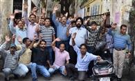 डिवकॉम के आश्वासन पर बिजली कर्मियों की हड़ताल स्थगित