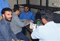 खाद्य सुरक्षा की टीम ने मिठाइयों के लिए सैंपल