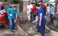 व्यापारियों ने चलाया स्वच्छता अभियान