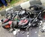 अनियंत्रित मोटरसाइकिल राहगीर को रौंदते हुए दीवार से टकराई, तीन घायल; दो पीजीआइ रेफर