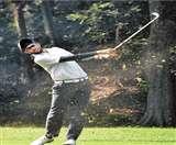 Jeev Milkha Invitational Golf Tournament :अजितेश और राशिद लीडरबोर्ड के टॉप पर Chandigarh News