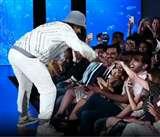 Ranveer Singh Ramp Walk : रैंप पर रणवीर की अजीबो-गरीब हरकतें, यूजर्स बोले- 'पैसे काटो इनकी ओवर एक्टिंग के'