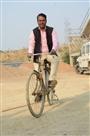 साइकिल से काम पर निकले लेखपाल