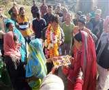 दस साल बाद अपने घर पहुंचा आईटीबीपी का एसआइ विक्रम तो परिजनों ने गाए मंगलगीत, बांटी मिठाई