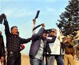 Haryana Congress President अंबाला में सैलजा को काली पट्टियां दिखा बागी बोले-Go Back, इस वजह से हुआ विरोध