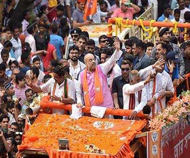 पश्चिम बंगाल में गृह मंत्री अमित शाह का रोड़ शो।