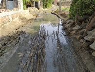 मुख्य मार्ग पर जलजमाव, राहगीर परेशान