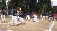 भारतीय वेशभूषा में हुई कबड्डी प्रतियोगिता