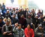 राज्य कर्मचारियों ने काम ठप कर सीएम योगी को भेजा ज्ञापन, मांगें पूरी नहीं होने पर हड़ताल की चेतावनी