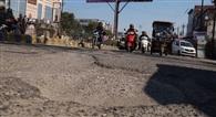 मासात तक झेलें जख्मी सड़कें, निर्माण मार्च से