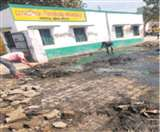 घंटे भर की सफाई के लिए एक साल से नरक लांघ रहे थे छात्र Meerut News